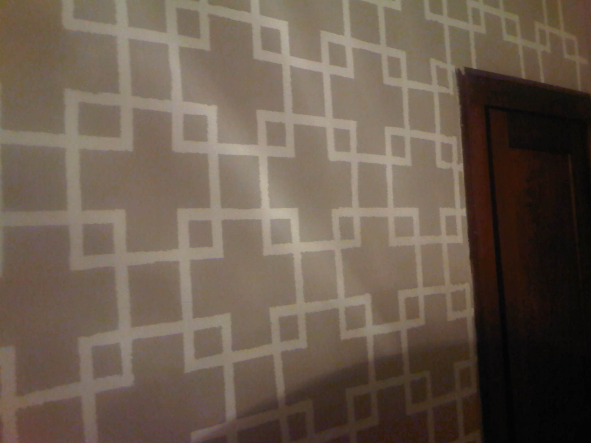 Wall design with paint and tape : Painters tape design chesty changes